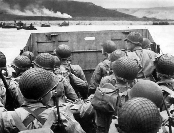 Trump Honors Fallen Heroes in Moving D-Day Speech