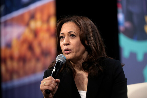 Kamala Harris Wants Kids in School Longer