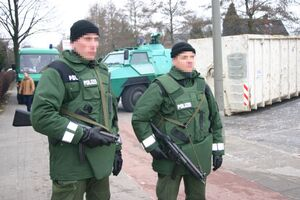German Authorities Find Large Arsenal By Radical Mosque