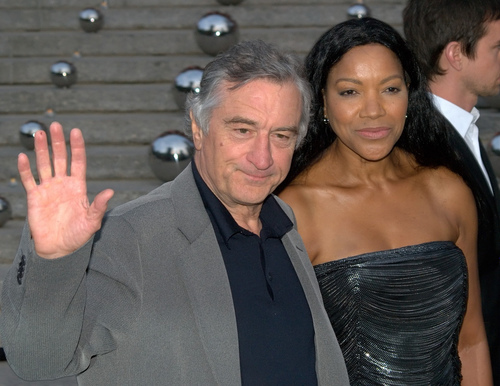 Robert De Niro Melts Down After Court Appearance