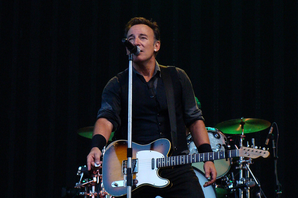 Bruce Springsteen Slams Trump for 'Incompetence'