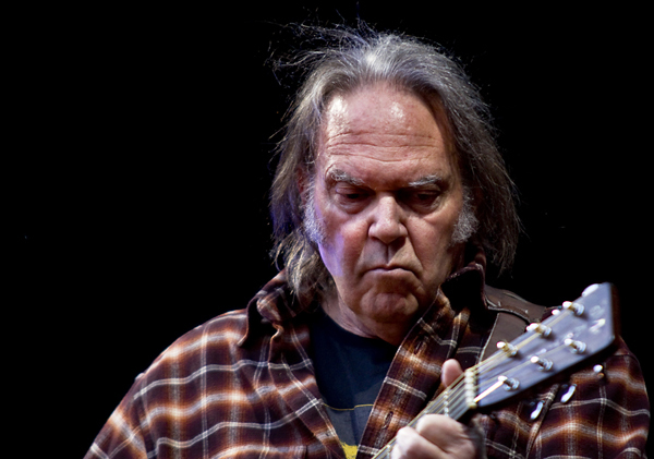 How Neil Young Wants to Get Rid of 'Lowlife' Trump