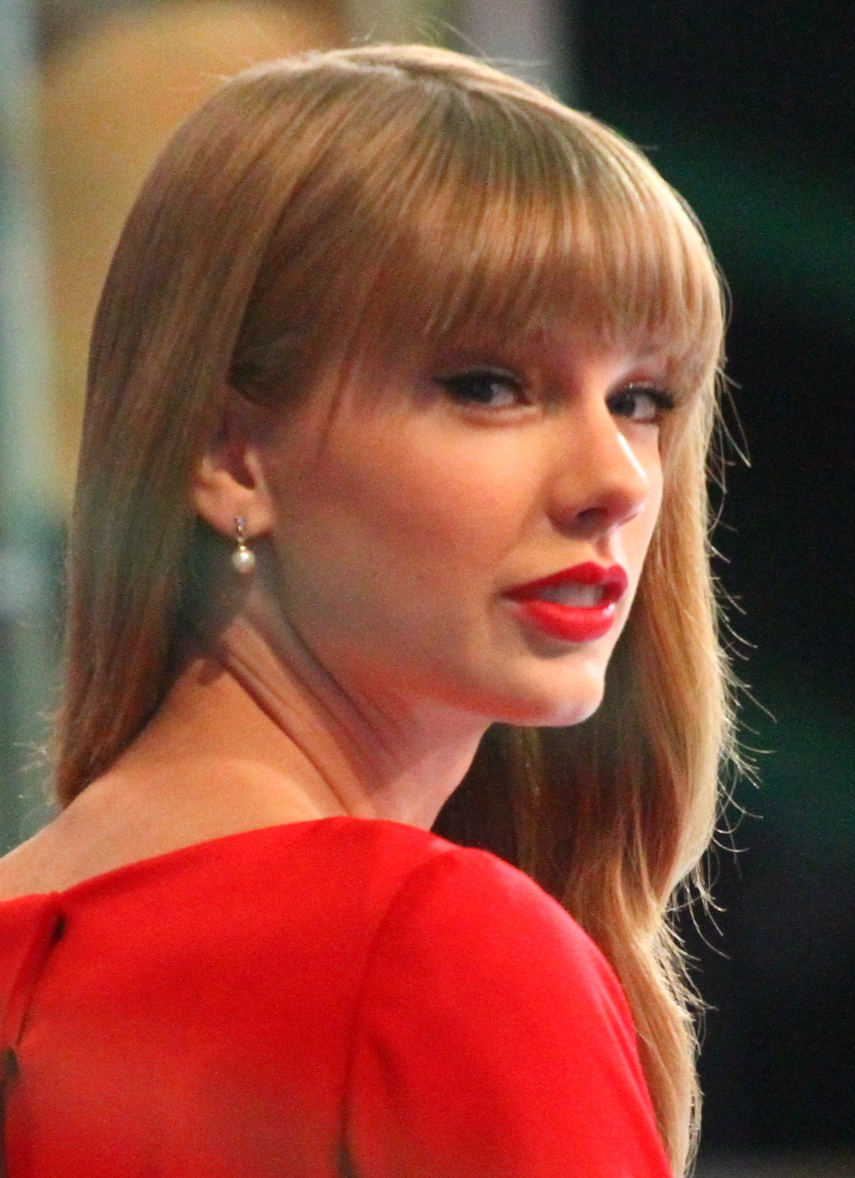 Taylor Swift Gives Huge Surprise to WWII Veteran