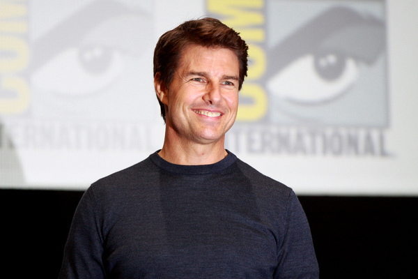 Actress Drops BOMBSHELL About Tom Cruise