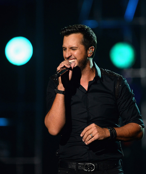 Luke Bryan Makes Big Political Reveal at ACM Awards