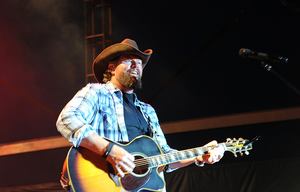 Toby Keith Says He Won't Apologize for Playing at the Inauguration