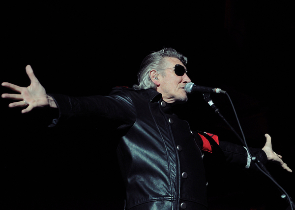Pink Floyd's Roger Waters Wants Band to Kneel at Super Bowl
