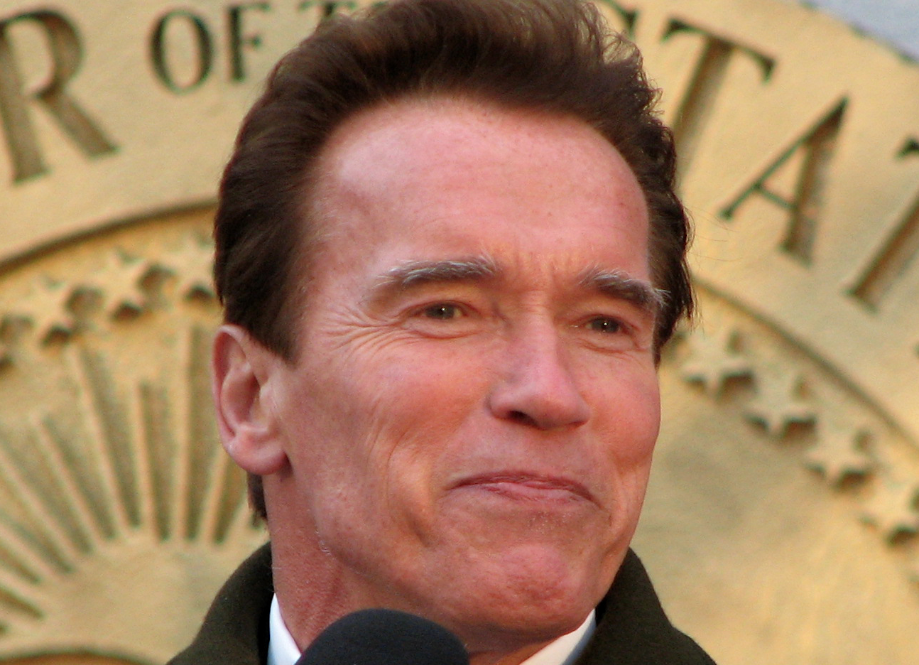VIDEO: Arnold Schwarzenegger Trashes Trump For Low Ratings