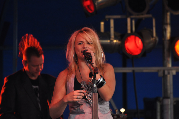 Miranda Lambert Shuts Down Political Music Artists