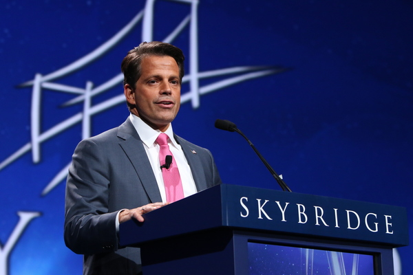 Things are Heating Up Between Anthony Scaramucci and This Fox News Host