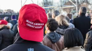 Chicago Bar Apologizes After Banning 'Make America Great Again' Hats