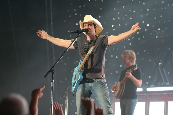 Country Star Brad Paisley Starts Construction on Creative Store