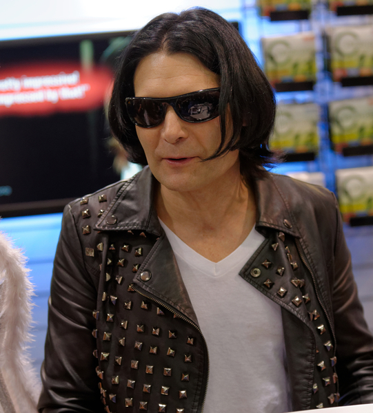 Corey Feldman Urges Abuse Victims To Come Forward