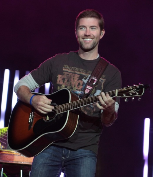 Country Star Josh Turner's Tour Bus Involved In Fatal Crash