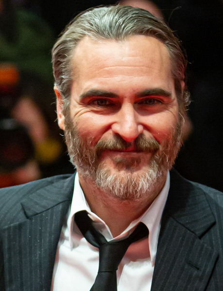 Joaquin Phoenix Goes On Unhinged Rant About Inseminating A Cow And Breakfast Cereal During Oscars Acceptance Speech